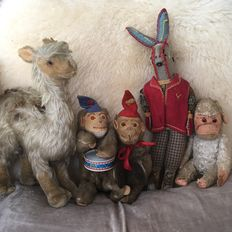 Steiff Lama and 2 Wagner Mechanical Wind Up Animated Monkeys for Max Carl Toys Germany, drummer and cymbals plus antique rabbit and monkey