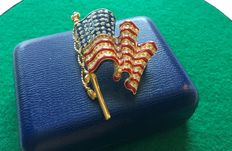 American flag -Trifari gold tone brooch with email and rhinestones - made in 1998 - signed