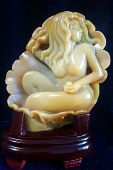 Natural, genuine Brazilian Agate - carving of a woman - on stand - 155 x 120 x 57 mm - 784gm