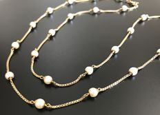 UNOAERRE - Magnificent 18 kt gold chain necklace with square links decorated with genuine cultured pearls