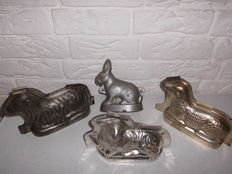 Lot of four very beautiful chocolate moulds for Easter, 3 lambs and 1 hare, this item is offered at a very opportune time!