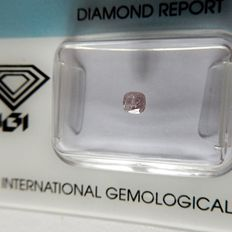 0.27 ct natural pink diamond.