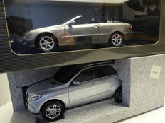 Minichamps / Kyosho - Scale 1/18 - Lot with 2 x Mercedes-Benz: CLK Convertible 2003 - Bronze metallic and M-class 2011 - Silver metallic