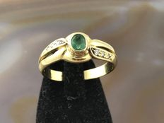 Gold ring with emerald and zircon 18ct