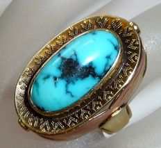 Ring made of 14 kt / 585 gold with very large natural turquoise of approx. 7 ct, solid 9.25 g