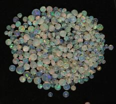 Lot of Welo Opal beads - beads : from 3.2 to 7.2 mm - 75 cts