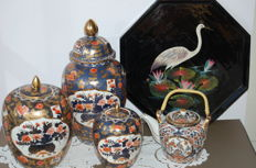 Four Imari porcelain case set and teapot - varnished tray - Japan - Second half 20th century