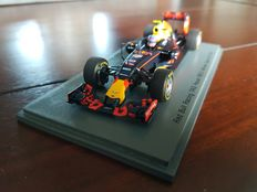 Spark Models - Schaal 1/43 - Red Bull Racing RB12 Max verstappen - winner Spain GP 2016