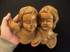 Beautiful lime wood high embossing with two putti heads - France - circa 1900