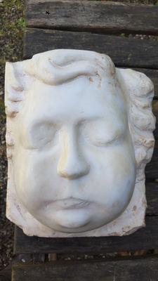 Rough sculpture in white marble Italy - 20th century.