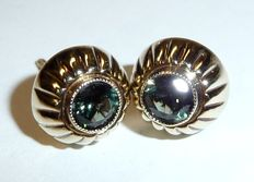 Earrings 8kt / 333 gold with natural tourmalines of 1ct. Ear studs