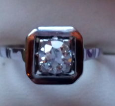 French platinum Art Deco ring set with a diamond of approx. 0.60 ct - No reserve