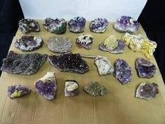 Amethyst Crystal Clusters with Calcite - 5,5 tot 15cm - 6,44kg (20)