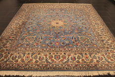 Magnificent handwoven Persian carpet - Keshan Keschan - made in Iran at the end of the 20th century 205 x 305 cm
