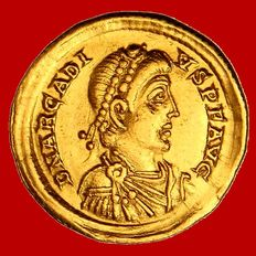 Roman Empire - Arcadius (383-408 A.D). gold solidus (4,38 g. 21 mm.) minted in Mediolanum (Milano) between 395 - 402 A.D. VICTORIA AVGGG. M / D. COMOB.