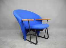 Floris van den Broecke for Artifort – Rare 760 Winner armchair (lot 1)