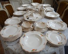 John Maddock & Sons - Minerva - 59 piece tableware set