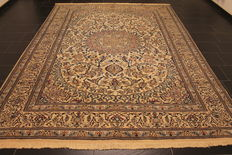 Beautiful fine Persian palace carpet Nain, wool with silk. Made in Iran. Province Nain 250 x 335 cm