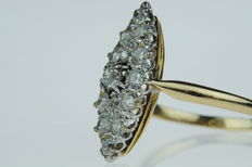 18 kt gold women's ring, marquise shape, set with approx. 1.00 ct diamonds, size 18
