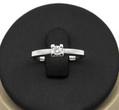 750/1000 (18 kt) white gold  – Ring – Central brilliant-cut diamond – Ring size: 14