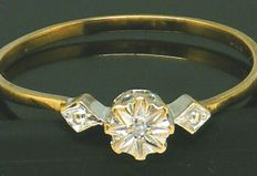 Gold Diamond,- Ring - with 1 very clear diamond deep set 0,05 ct.