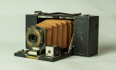 Folding Pocket Brownie no 2 - model B, Eastman Kodak Company, N.Y., USA