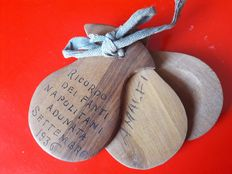 Commemorative castanets for the  September 1936 Amalfi assembly of the Neapolitan soldiers for World War I (1915/1918)