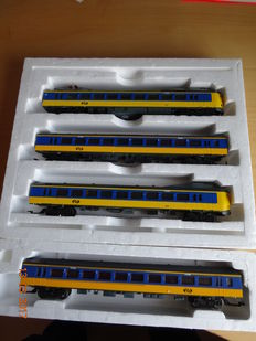 Lima H0 - IC train set in Blue and Yellow livery of the NS