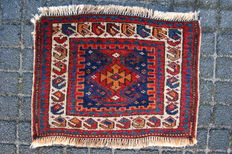 Antique tribal Loeri bag front, NW Persia, 50 x 38 cm