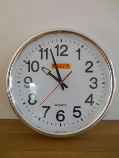 Pirelli dealer clock from 1995