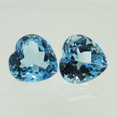 Lot of 2 blue topazes, 9.93 ct  (5.16 + 4.77 ct)