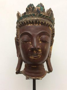 Lacquer and wood Buddha head - Burma - 19th century