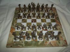 Beautifully detailed Greek metal chess pieces on heavy, real marble top - total weight 7.2 kg - flawless