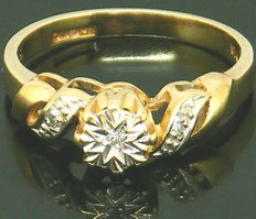 Gold Diamond Ring - with 3 very clear diamond's