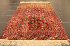 Antique hand-knotted collector's carpet, oriental carpet, Russian Buchara Jomut, around 80 years, antique plant dyes, 140 x 185 cm