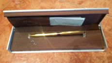 Antique St Dupont 925 gold plated ballpoint pen, in working condition.