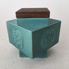 Henk Trumpie - decorated pot with a wooden lid.