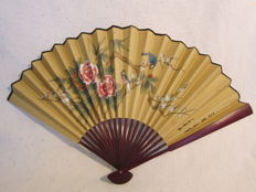 Hand-painted paper fan – China – around 1920 (Republic period)
