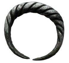 Early medieval Viking twisted silver ring - 18 mm
