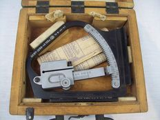 1950s Rangefinder from Poland in a Wooden Box with Carrying Handle