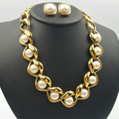 Signed Napier – Demi-parure – Gold Link Pearl Necklace  & Earrings – Faux Pearls Open Chain Link