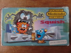 Nintendo Game & Watch - Squish Boxed, complete with instructions and battery cover