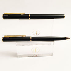 Waterman Apostrophe fountain pen and matching ballpoint in black lacquer with gold plated trim ~ MINT