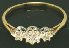 Yellow Gold Diamond Trilogy with 3 diamond's  0.15ct,- VS2K