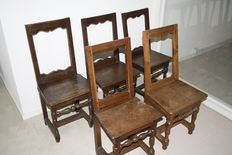 A collection of five oak chairs, so called chaises Lorraine - France  - late 17th century / early 18th century