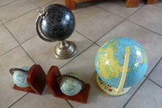 Lot of 2 globes and 2 globe bookends
