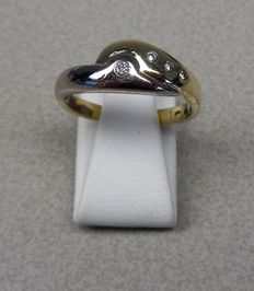 Gold ring, 14 kt, with brilliant cut diamonds Ring size: 18 mm