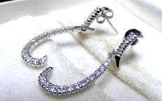 White gold earrings with 0.26 ct diamonds