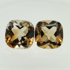 Lot of 2 orangey brown topazes - 10.59 ct (5.58 + 5.01 ct)