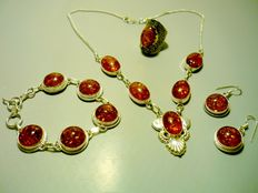 Complete set in Baltic amber and 925 silver: necklace, bracelet, ring and earrings